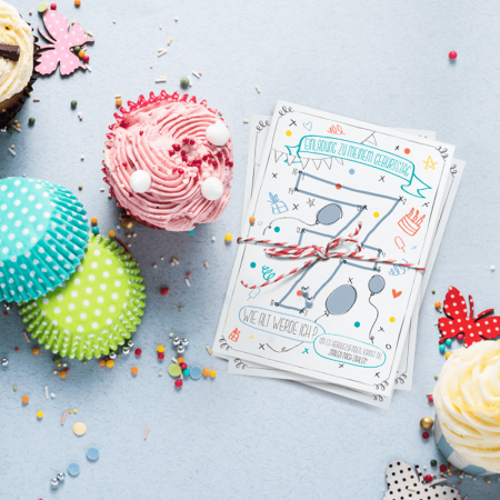 Malen-nach-Zahlen-einladung-Geburtstag-Kindergeburtstag-Postkarte-Party-Konfetti-Wimpel-Luftballons-Jungs-Blau-Quadrat 2